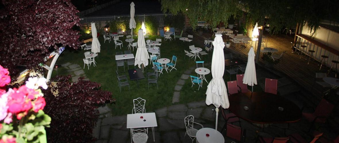 Terrasse de La Villa, by Night